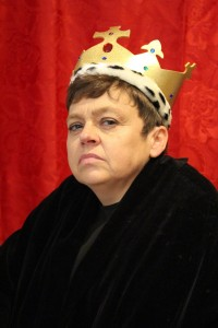 Sara Beer as Richard III..